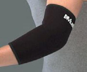 MUELLER MUELLER ELBOW SLEEVE MEDIUM