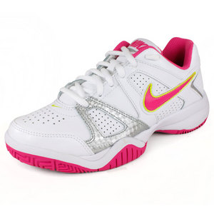 NIKE JUNIOR CITY COURT 7 TENNIS SHOES