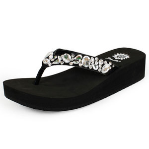 YELLOWBOX WOMEN`S ROMAINE BLACK SOLE SANDALS