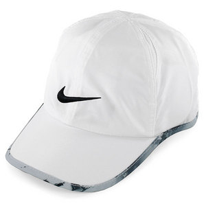 NIKE WOMENS GRAPHIC FEATHERLIGHT CAP WHITE