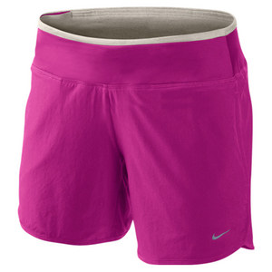 NIKE WOMENS 6 IN SW RIVAL RUN SHORT BR MAGENT