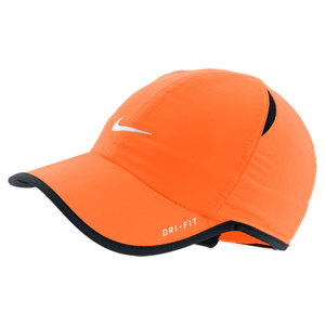 NIKE YOUNG ATHLETES FEATHERLT CAP TOTAL ORANG