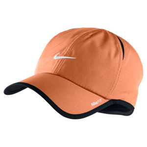 NIKE MENS FEATHERLIGHT CAP ATOMIC ORANGE
