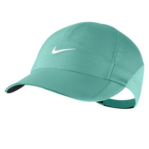 NIKE WOMENS FEATHERLIGHT CAP DIFFUSED JADE