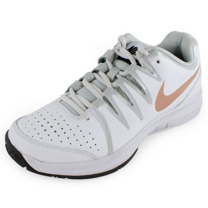 NIKE WOMENS VAPOR COURT SHOES WH/MET RD BRZ