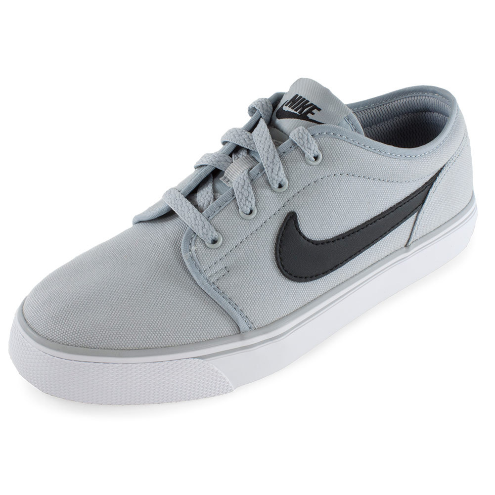 nike casual tennis shoes