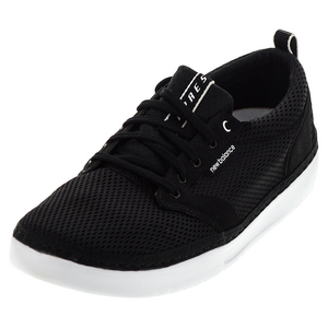 Men`s Apres Shoes Black and White