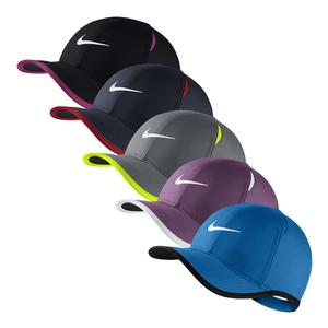 Young Athletes` AeroBill Featherlightt Tennis Cap