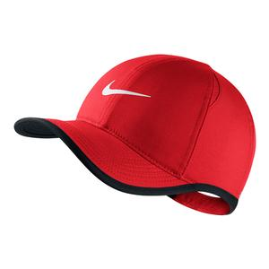 Young Athletes` AeroBill Featherlight Tennis Cap University Red