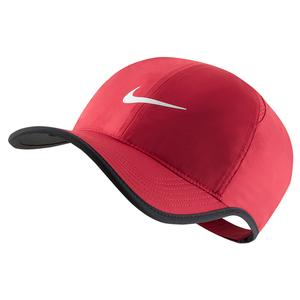 Court AeroBill Featherlight Tennis Cap Team Crimson