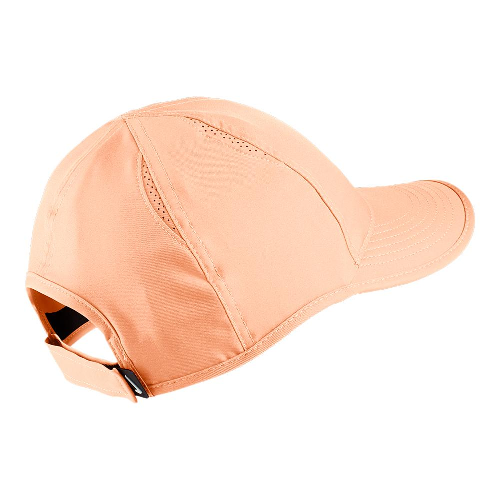 d6bf3681774 Women`s Court AeroBill Featherlight Tennis Cap 657 UNIVERSITY RED
